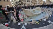 Piazza di Spagna devastata dai tifosi del Feyenoord