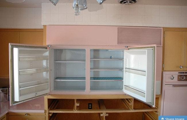 Un tuffo nel passato: una cucina (tutta rosa) degli anni \'50 mai ...