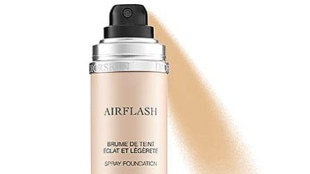Il make up spray per un trucco facile e veloce