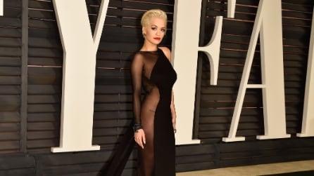 Oscar 2015: Rita Ora e il nude look che crea scalpore