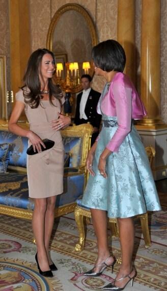 Kate Middleton all'incontro con Michelle Obama con un vestitino Reiss