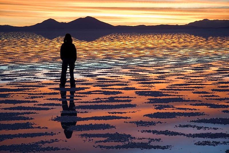 http://en.wikipedia.org/wiki/Salar_de_Uyuni#mediaviewer/File:Watching_Sunset_Salar_de_Uyuni_Bolivia_Luca_Galuzzi_2006.jpg