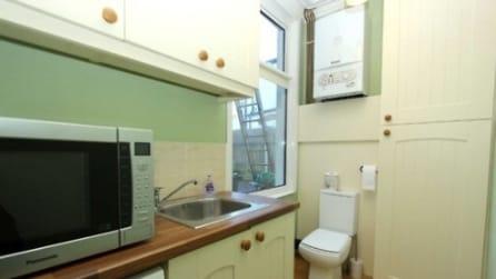 Dal water in cucina alle pareti umide, i 20 peggiori annunci di case in vendita