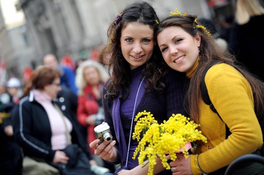 Ecco perché la mimosa è il simbolo della Festa della donna 139f1eefaebe