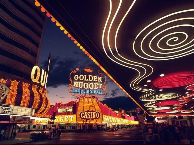 http://pixabay.com/en/las-vegas-game-casino-gambling-82319/