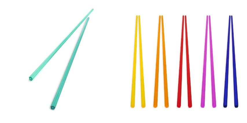 Bacchette colorate che insieme formano l'arcobaleno