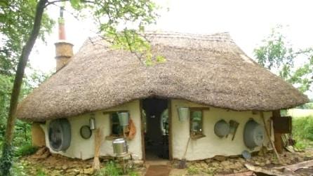 Casa a 180 euro: ecco la Cob House, un'abitazione ecologica ma con tutti i comfort