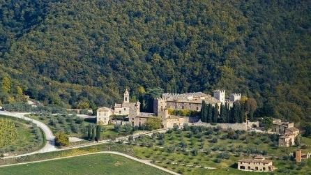 Toscana: è qui il castello in vendita più grande del mondo