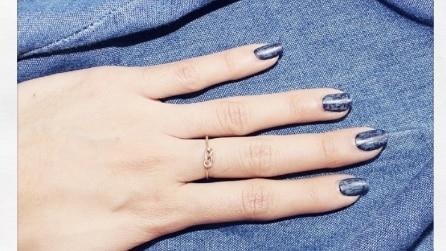 Denim manicure: gli smalti ad effetto jeans per la primavera 2015
