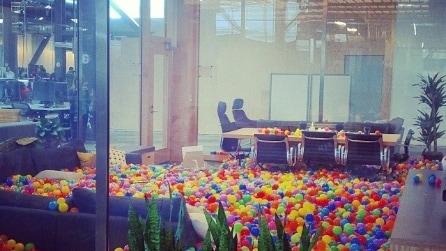Facebook, le foto dei nuovi uffici a Menlo Park su Instagram