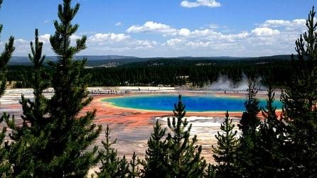 La sorgente arcobaleno nel Parco di Yellowstone