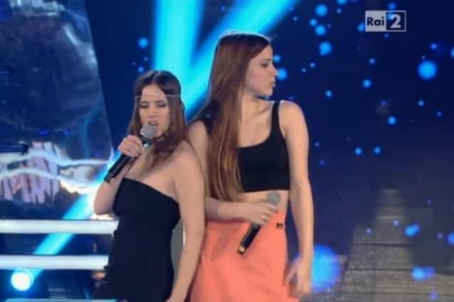 Viene scelta Arianna, ma Chiara, ex del duo Paola e Chiara, è ripescata con l'opzione Steal dal Team Fach