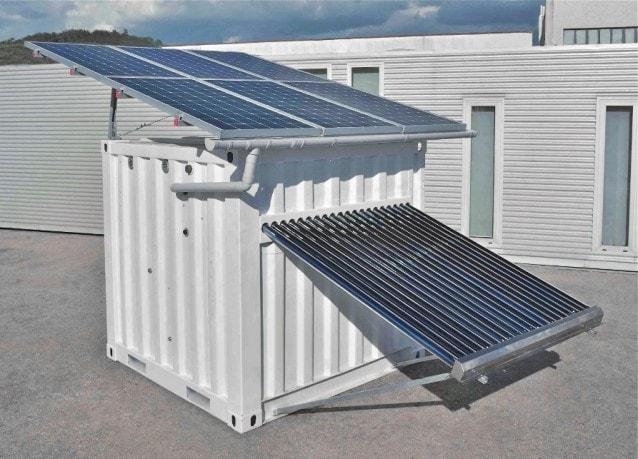 Off Grid Box™ consente ad edifici e comunità di vivere con confort senza alcuna connessione alle reti di acqua ed energia rendendo qualsiasi tip di abitazione totalmente off-grid, cioè autosufficiente (niente più bollette di luce, gas, acqua e rifiuti).
