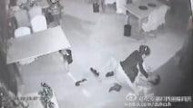 Tentativo di stupro, si libera dell'aggressore grazie alle arti marziali