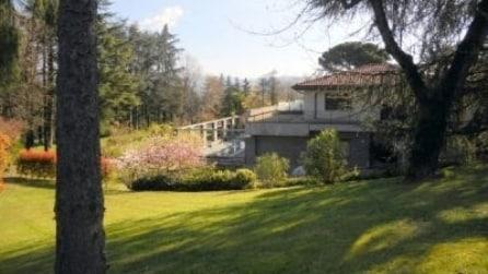"""In vendita """"Villa Aurora"""", nido di Eros e Michelle"""