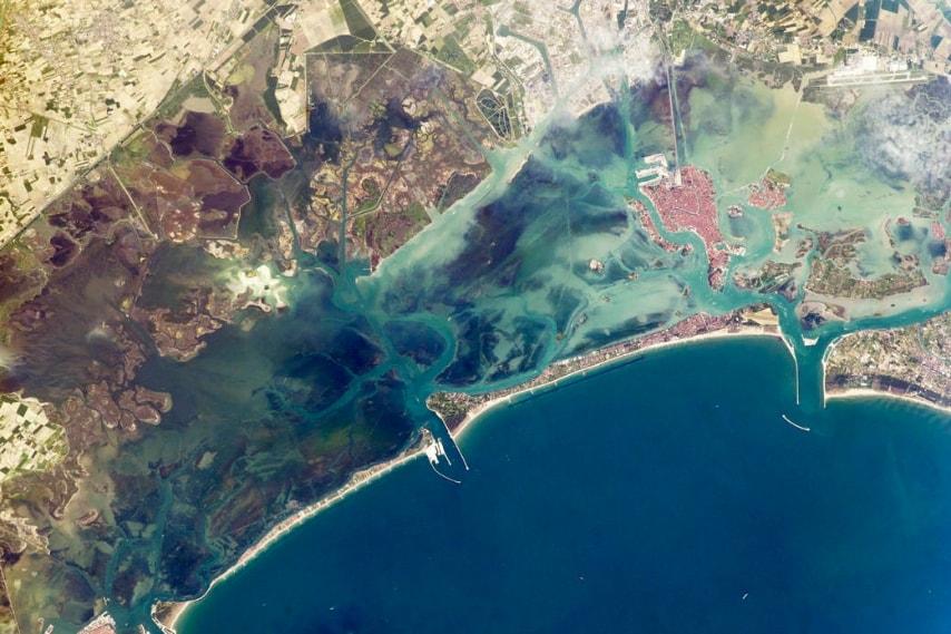 La magia di Venezia dall'alto. (Image Credit: NASA)