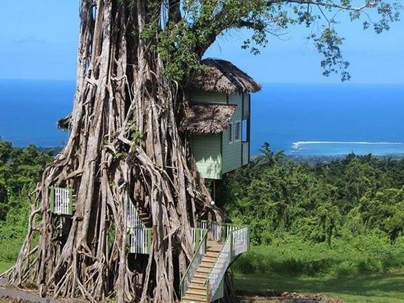 Affaccia sulla costa, questo lussuoso resort è come un sogno.