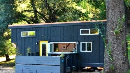 Passione mobile: la mini-casa off grid che si costruisce in una settimana