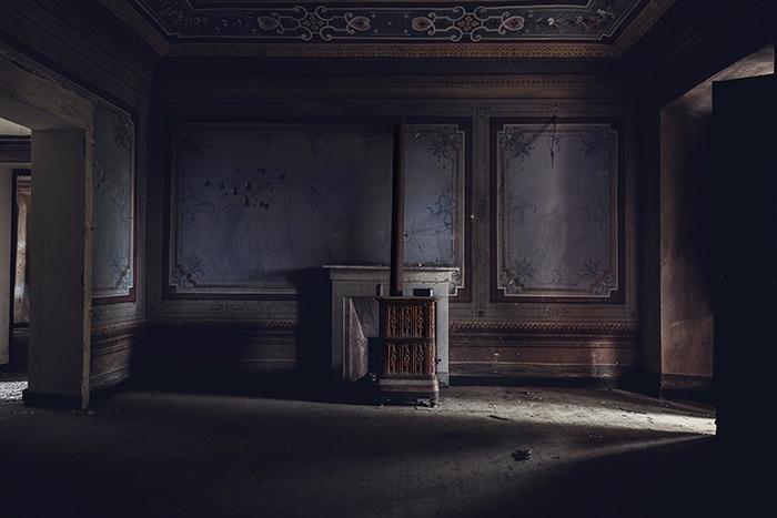 Si hanno poche notizie di questa villa completamente abbandonata. Le sue stanze sono ornate con diversi affreschi e pitture in stile orientale