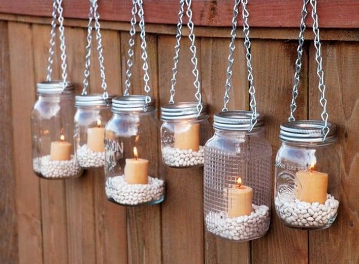 I vecchi barattoli inutilizzati che diventano delle romantiche candele