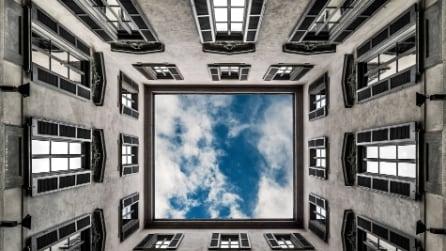 Milano segreta: guardare il cielo dalle corti più belle della città