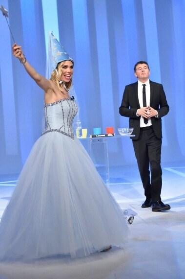 I look di Ilary Blasi per lultima puntata de Le Iene 2015