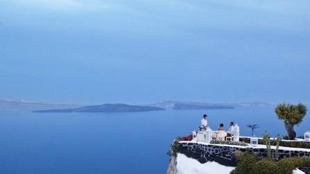 Cene mozzafiato: i 10 ristoranti vista mare più spettacolari del mondo