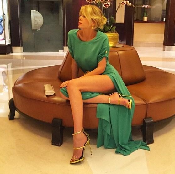 La showgirl indossa sandali Giuseppe Zanotti Design