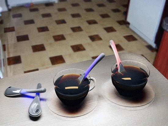 il cucchiaino che cambia colore in base al colore della bevanda.