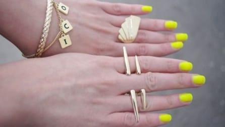 I colori fluo per la manicure estiva