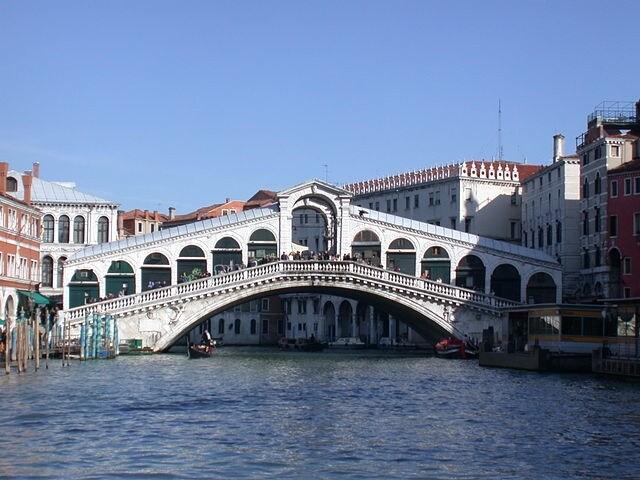 http://it.wikipedia.org/wiki/Rialto_(Venezia)#/media/File:Venezia_-_Ponte_di_Rialto.jpg