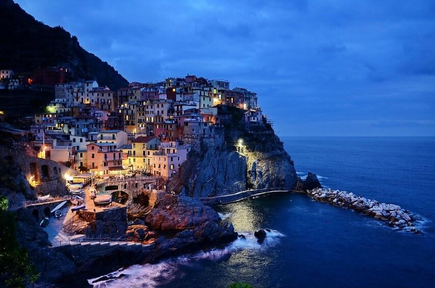 http://pixabay.com/en/cinque-terre-italy-rocks-sea-water-279013/