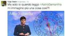 Astro Samantha ritorna sulla Terra e l'ironia del web si scatena