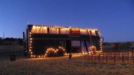 Bus Theater, l'autobus diventa un teatro itinerante