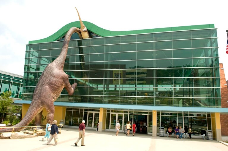 https://en.wikipedia.org/wiki/Wikipedia:GLAM/The_Children's_Museum_of_Indianapolis#/media/File:The_Childrens_Museum_of_Indianapolis_Welcome_Center.jpg