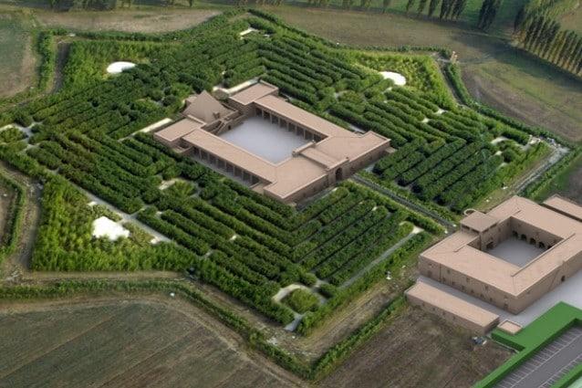 l labirinto fatto realizzare di recente dall'editore Franco Maria Ricci è il più grande labirinto verde del mondo.