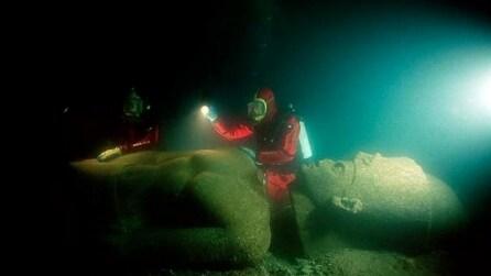 Si immergono nel fondo dell'oceano e fanno un ritrovamento straordinario