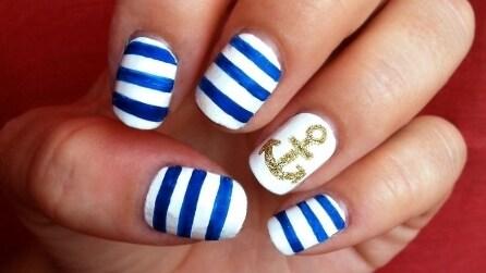 Sailor nail: le unghie perfette per l'estate