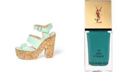 Ad ogni sandalo il suo colore di smalto