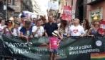 """Il Gay Pride di Napoli: """"Stesso amore, stessi diritti"""""""