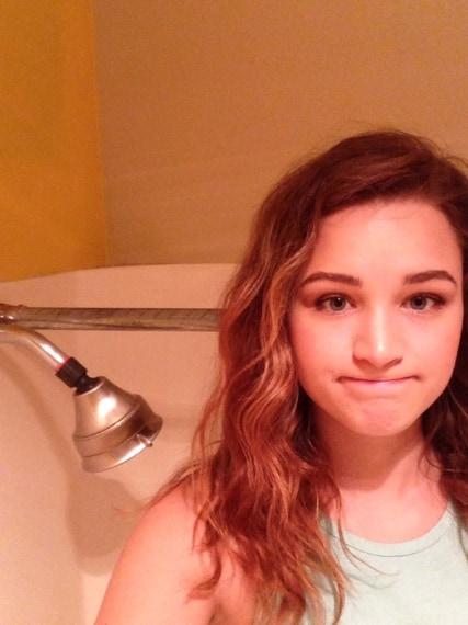 Fare una doccia per una donna alta può diventare un problema