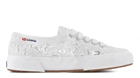 In pizzo o di jeans? Le Superga per l'estate 2015
