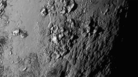 Su Plutone c'è acqua e montagne, le prime immagini dalla sonda New Horizons
