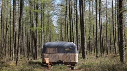 Come trasformare un caravan d'epoca in un ufficio mobile