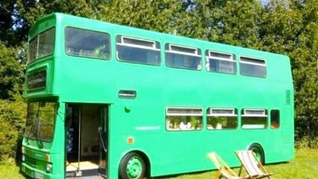 Big Green Bus: il city bus diventato un hotel itinerante