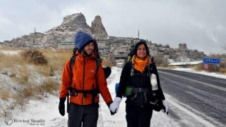 In autostop dalla Bulgaria senza aereo e smartphone: l'incredibile impresa di una coppia