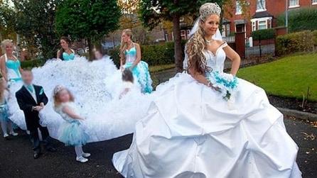 Gli abiti da sposa più imbarazzanti del mondo