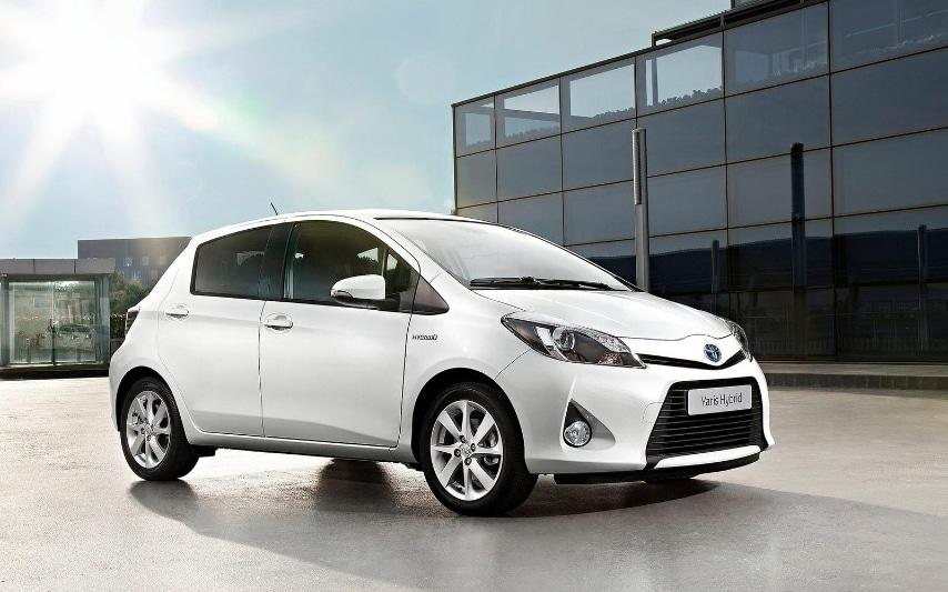 E' la macchina ibrida made in Japan. Attenta alle prestazioni ma anche all'ambiente. La compatta da città che consente di andare in giro senza inquinare
