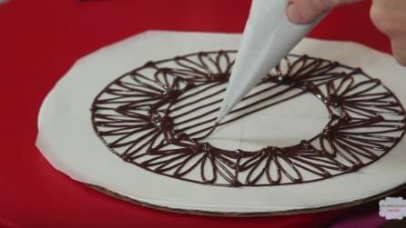 Crea un disegno e poi lo ricopre con il cioccolato: il risultato è geniale
