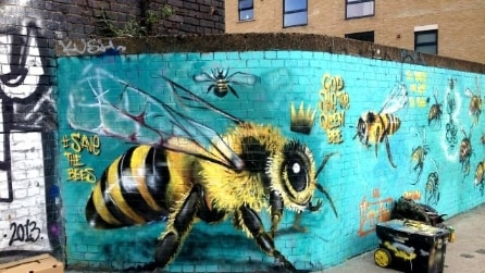Save the Bees: la street art di Louis Masai che salva le api